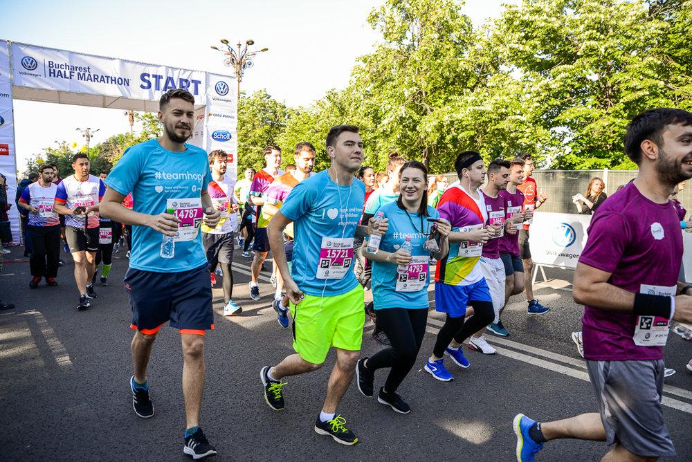Alergatori Team Hope_Semimaratonul Bucuresti_02_Foto Radu Fugarescu.jpg