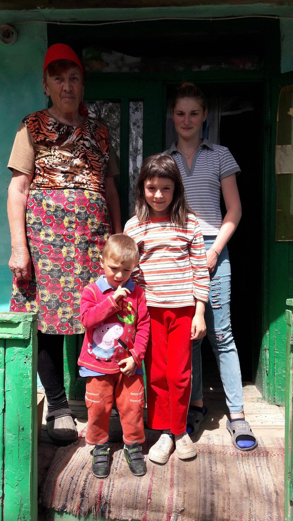 Familia Rotaru prevenire 2.jpg