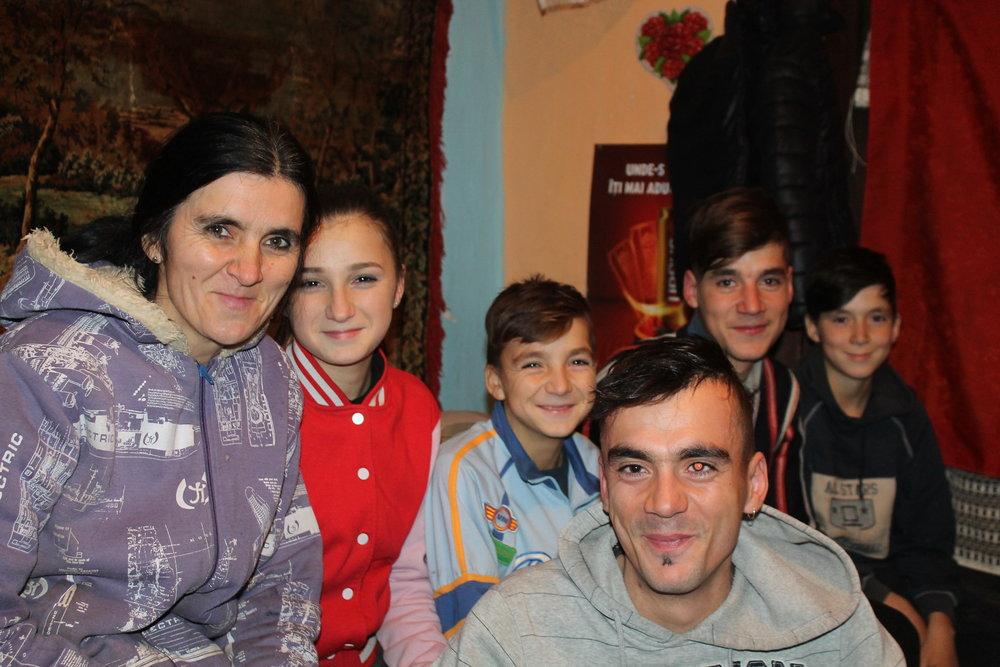 Familia Sandulescu 3.JPG