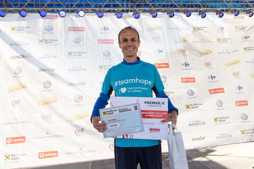 Busca Marius_alergătorTeamHope_maraton_Mihnea Ciulei.jpg