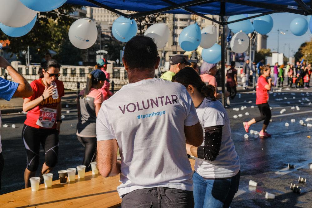 VoluntariTeamHope_maraton_Răzvan Leucea1.jpg