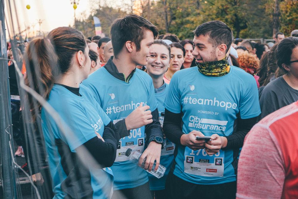 Alergători TeamHope_maraton_Răzvan Leucea1.jpg