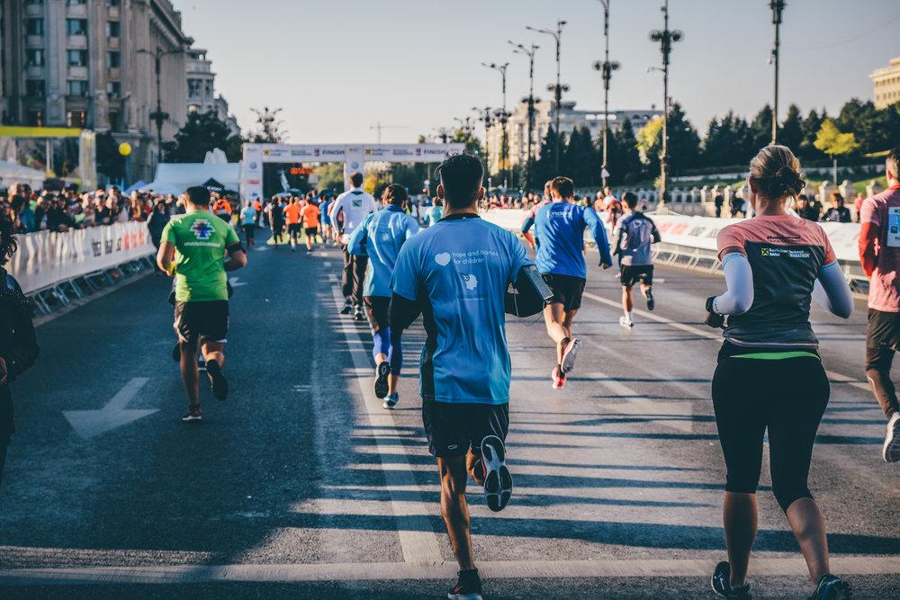 Alergători TeamHope_maraton_Răzvan Leucea4.jpg