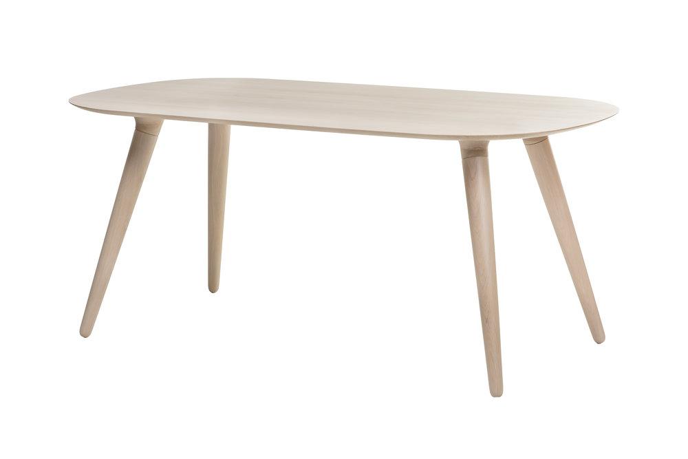 HAMMASTIKU  DINING TABLE