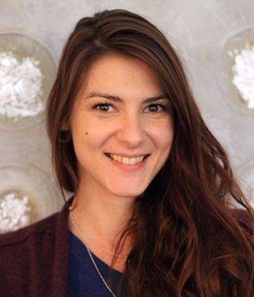 Julia Zheretiy -