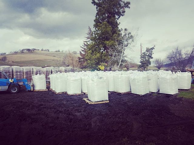 @cosmic_connectionsllc  @cosmic_connections_cbd Getting multiple truckloads of #biochar delivered this week. Prepping for a fantastic #hemp #biomass #cbd season!