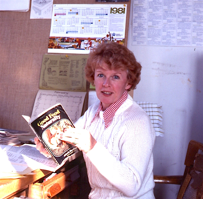 Shirley Buswall, Writer