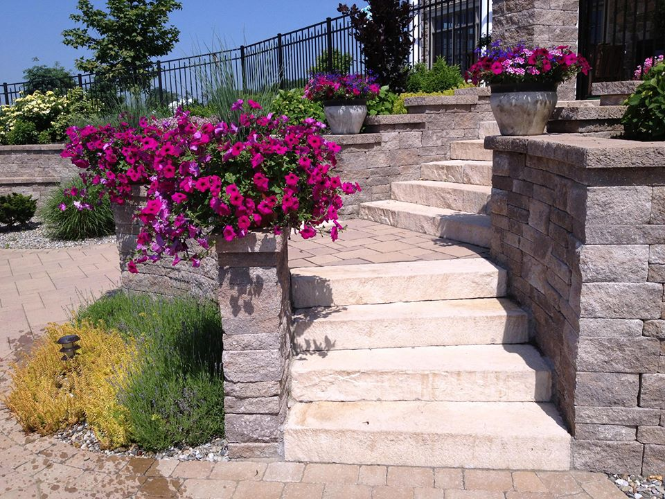 Color Scheme Secrets from a Landscape Designer in South Londonderry, PA