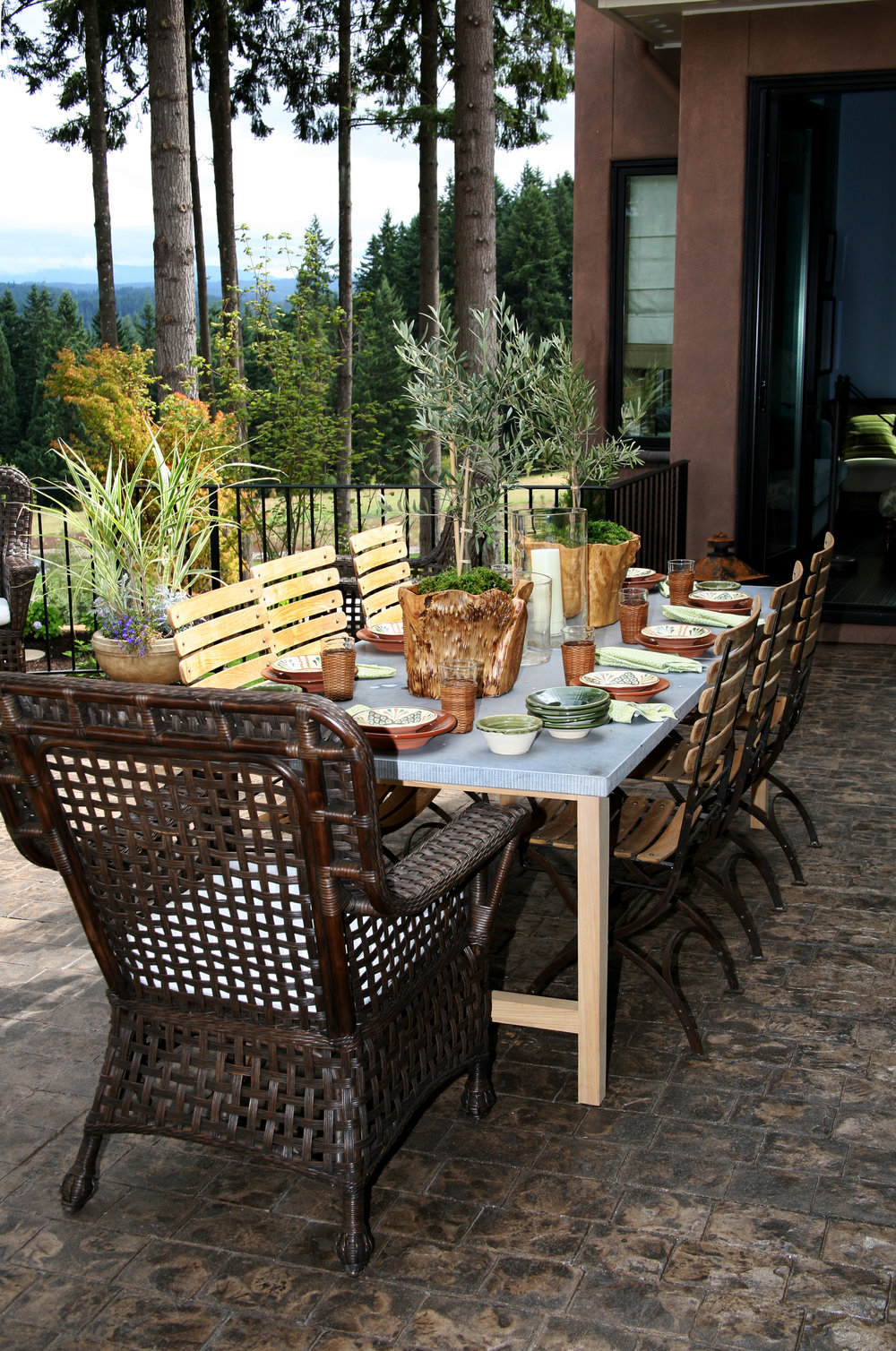 5 Landscaping Tips for Creating the Ultimate Al Fresco Outdoor Dining Experience in Silver Spring, PA