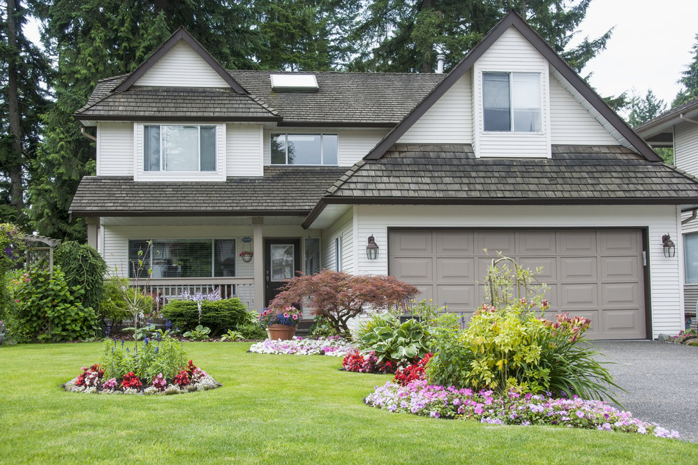 Let a Landscape Designer Brighten Your Upper Allen, PA, Yard with Annuals and Perennials