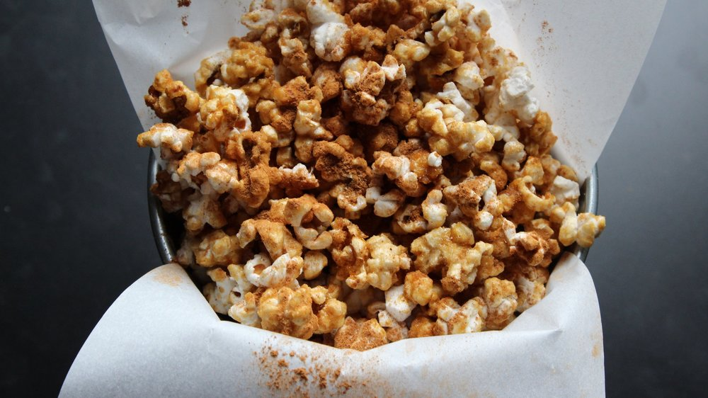 Pumpkin spice caramel popcorn