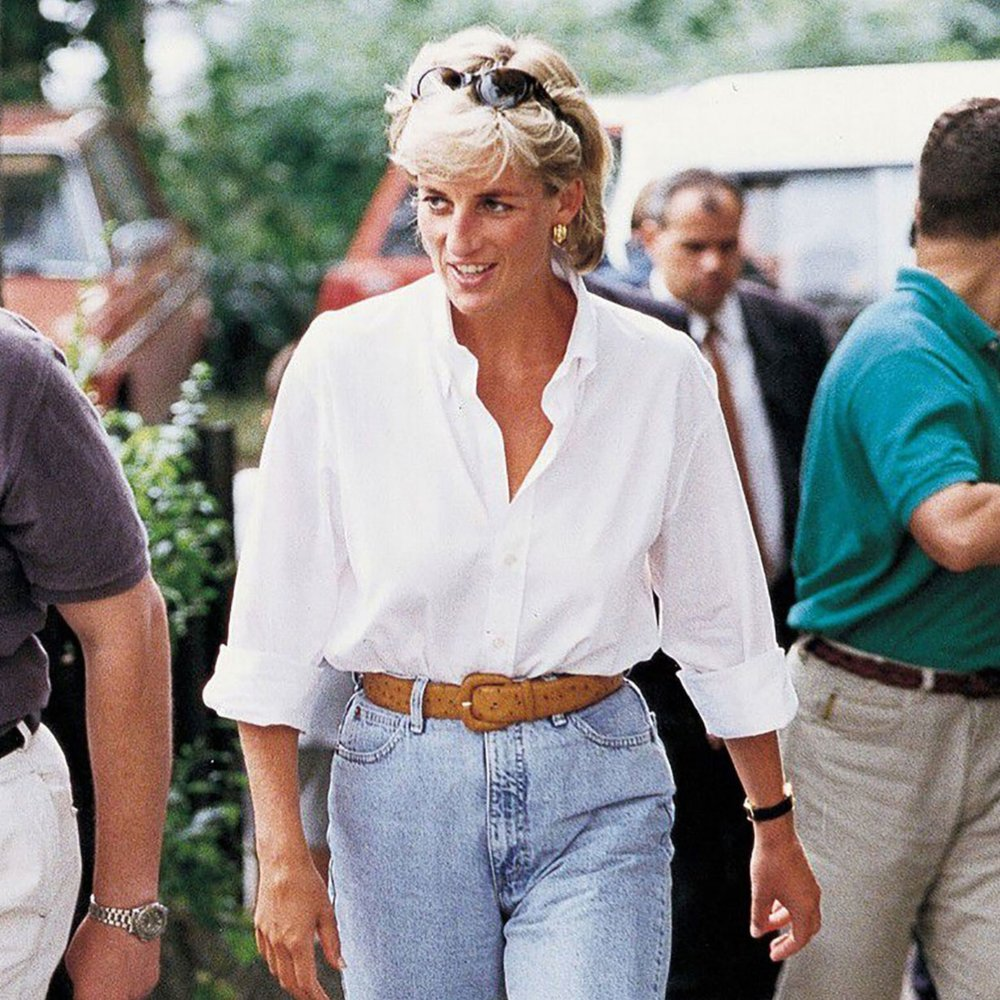 1. THE CLASSIC  PRINCESS DIANA  - Princess Di may have been known for her beautiful ballgowns, tailored suits and dresses, but it was also her casual style that started trends reflected in todays modern style.