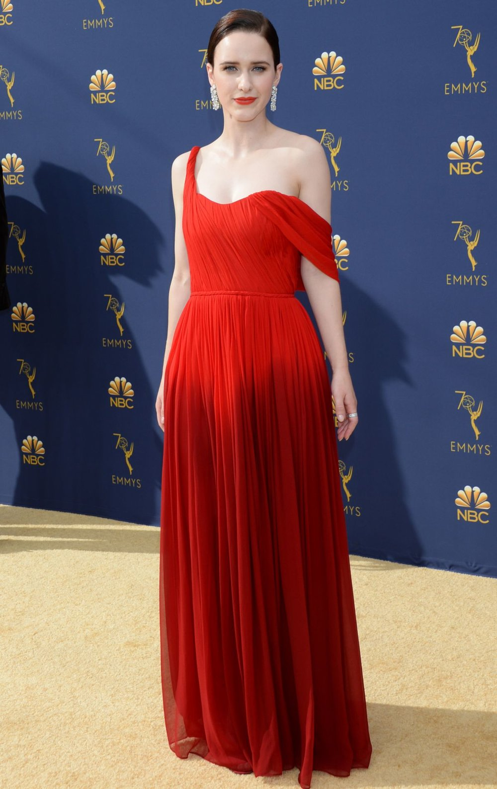 rachel-brosnahan-at-emmy-awards-2018-in-los-angeles-09-17-2018-6.jpg