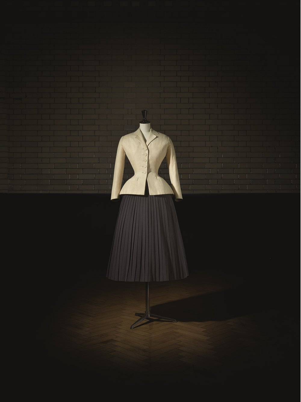 Christian Dior (1905–57), Bar Suit, Haute Couture, SpringSummer 1947, Corolle Line. Photo (c) Laziz Hamani. Victoria and Albert Museum, London.jpg