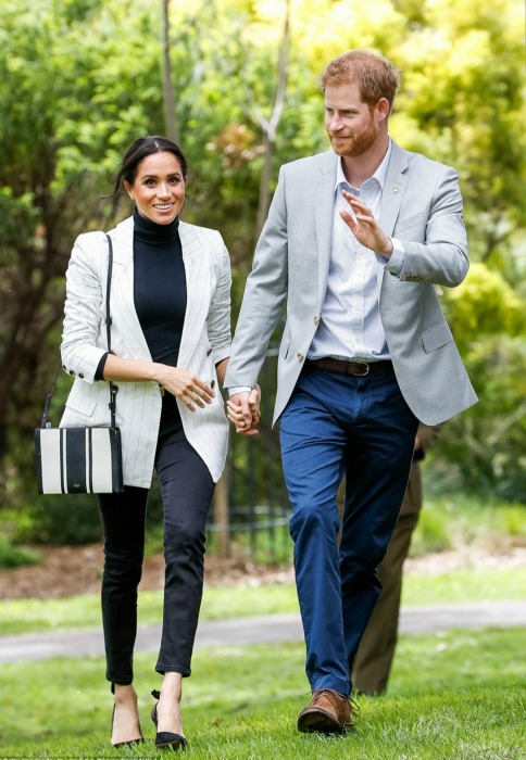 meghan-markle-striped-blazer-a.jpg
