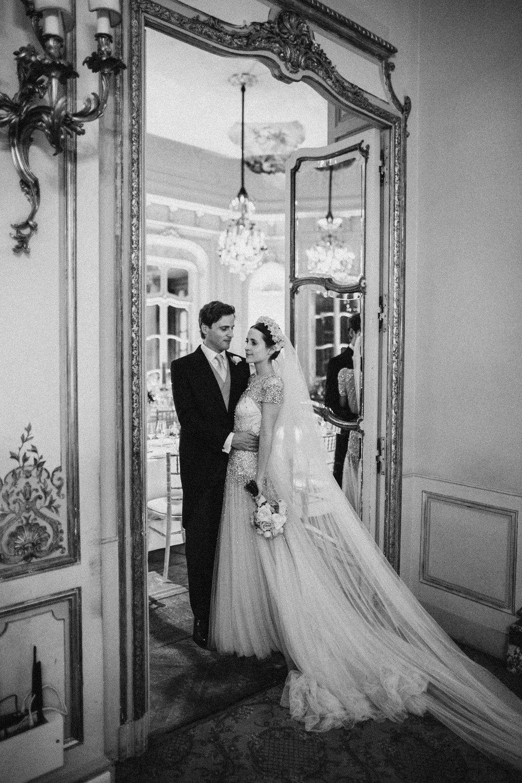 Emma_Simon_Wedding_Photography_Saville_Club-674.jpg