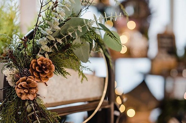 Still some spots available for this coming weeks workshop with the amazing @fromthegardenshed ... create and take home this beautiful, festive wreath ... December 7th in function ... head to the link in @fromthegardenshed bio to sign up! ✨🎄✨