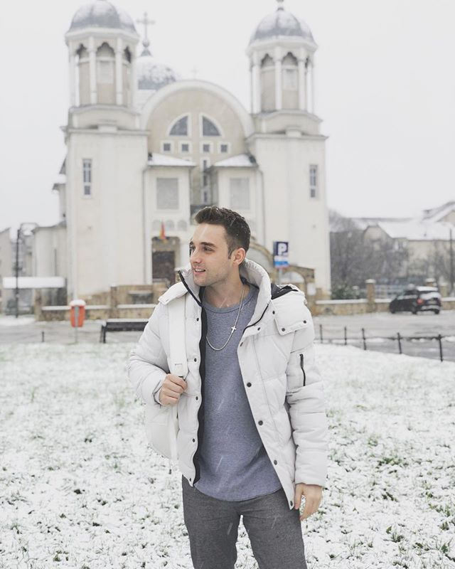 Not only has this trip blessed me in so many ways with the amazing concerts I was able to be apart of, but I ALSO got to check a HUGE thing off my bucket list. See the motherland covered in snow. #ROMANIA