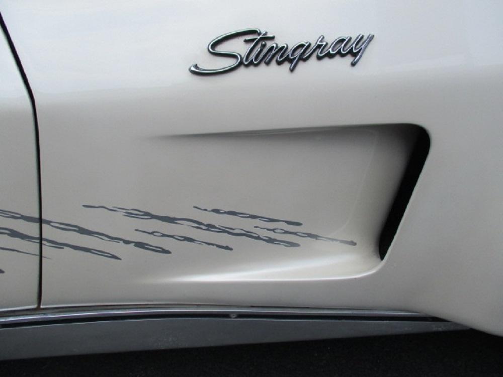 77 Corvette 012.JPG