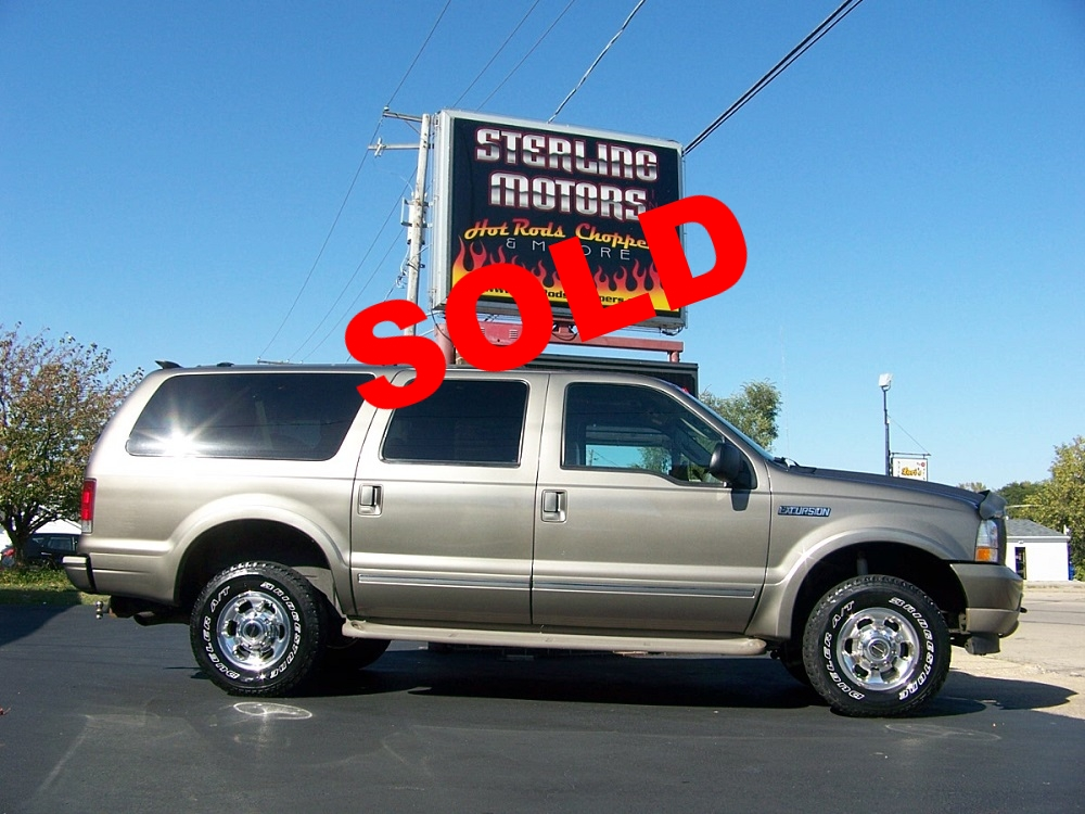 04 ford excursion limited 001.jpg