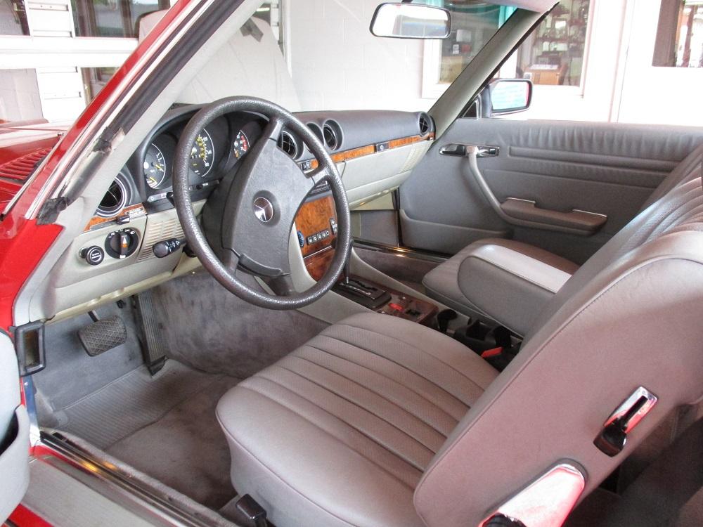 85 Mercedes Convertible 049.JPG
