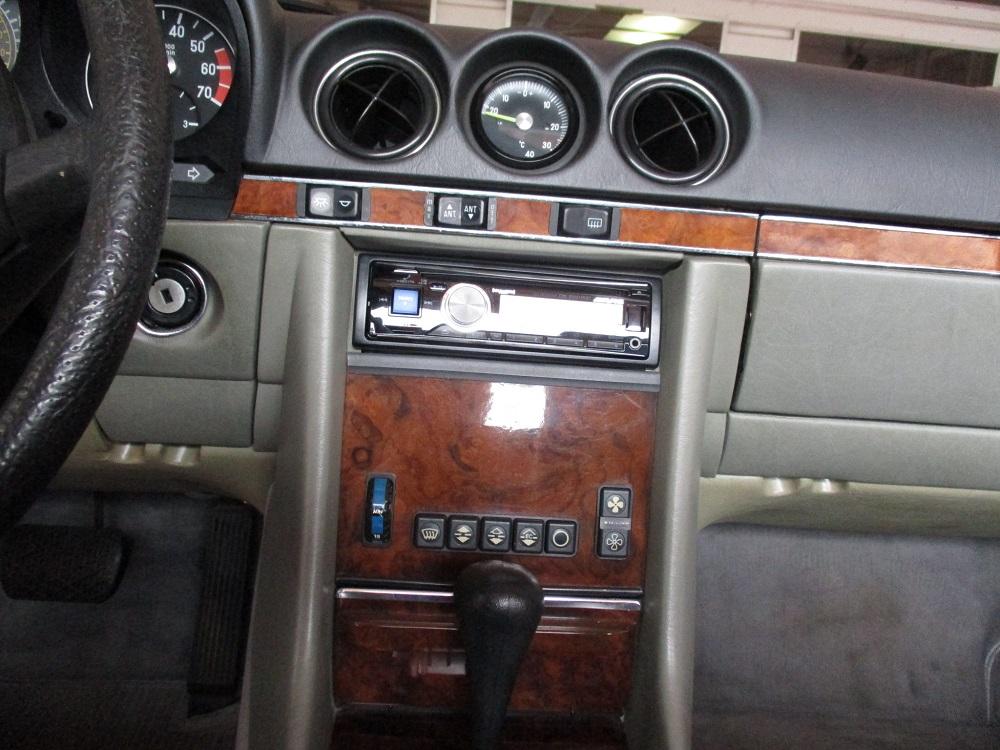 85 Mercedes Convertible 051.JPG