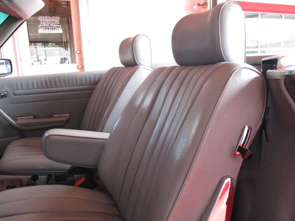 85 Mercedes Convertible 052.JPG