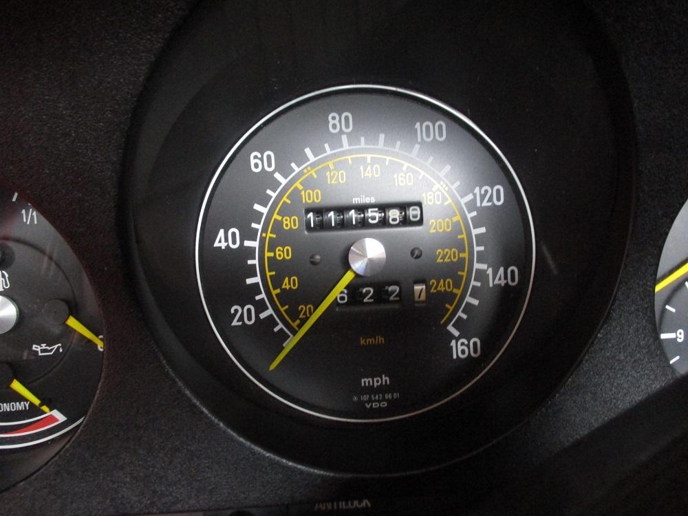 85 Mercedes Convertible 069.JPG
