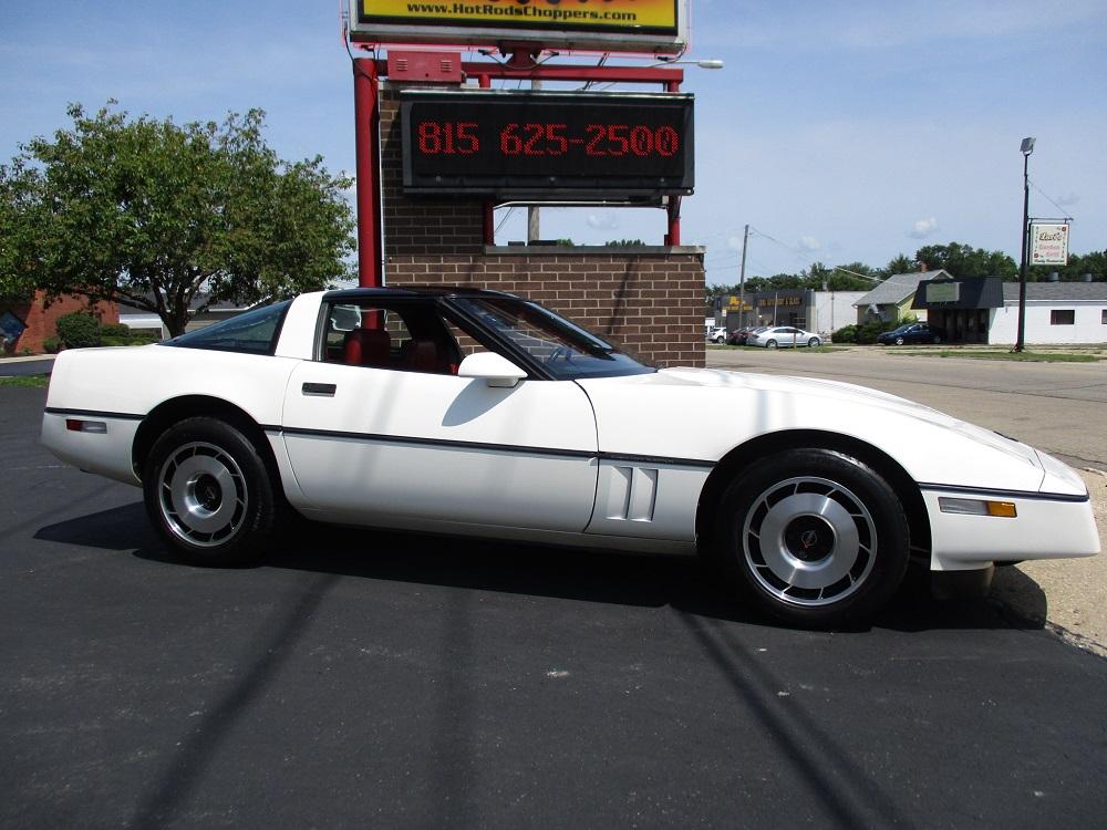 85 Corvette 005.JPG