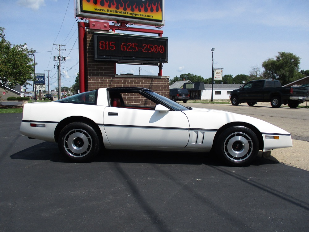 85 Corvette 006.JPG