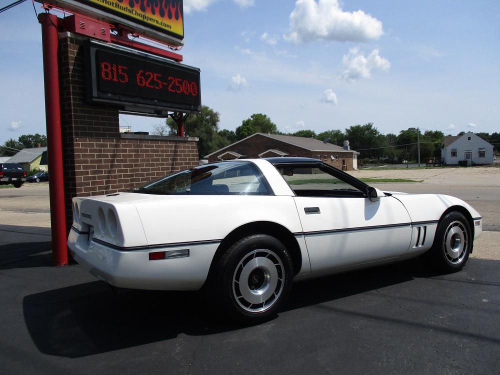 85 Corvette 008.JPG