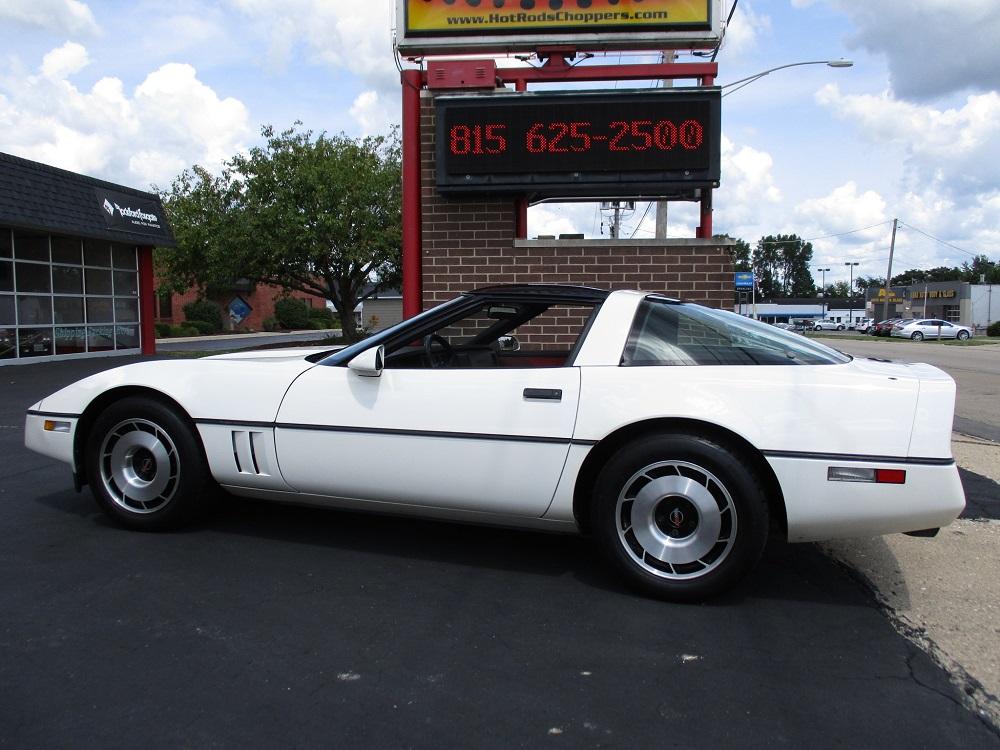 85 Corvette 015.JPG