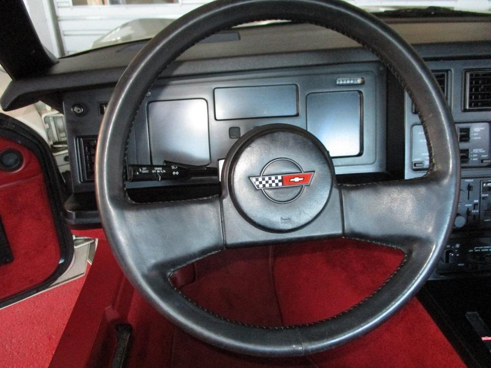 85 Corvette 024.JPG