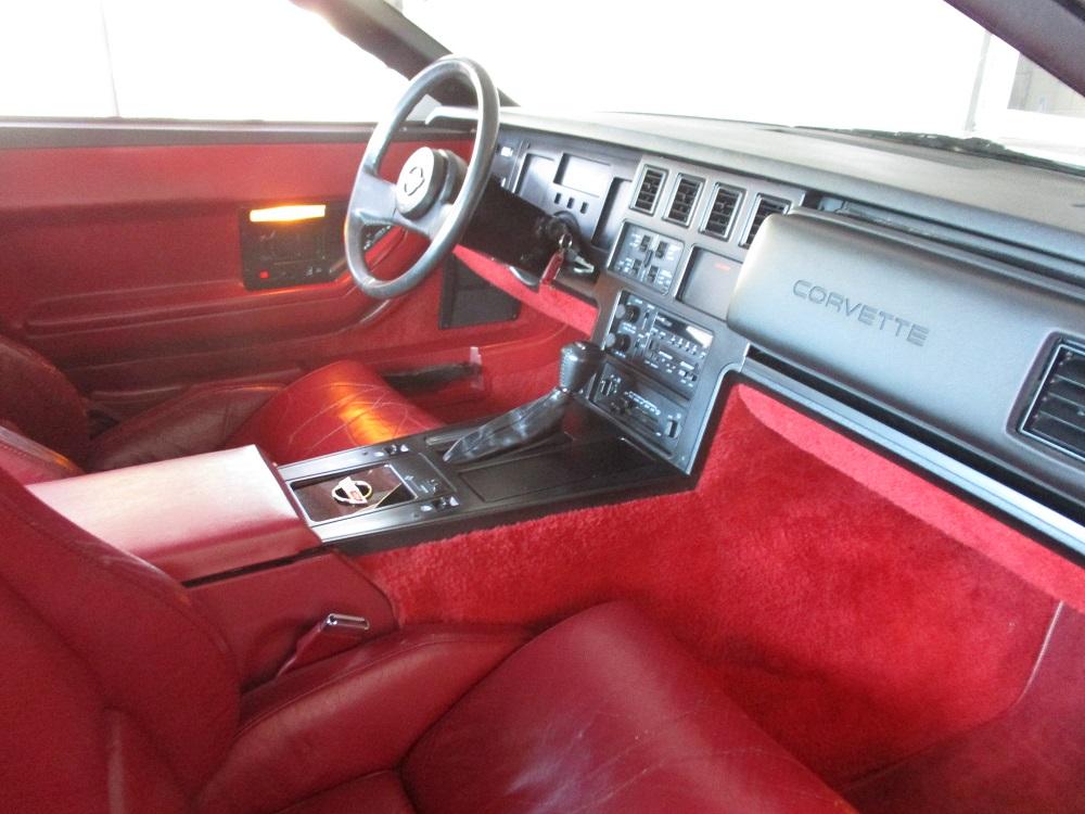 85 Corvette 030.JPG
