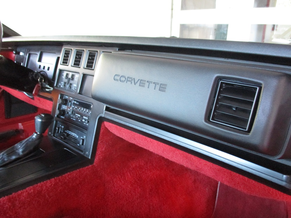 85 Corvette 031.JPG