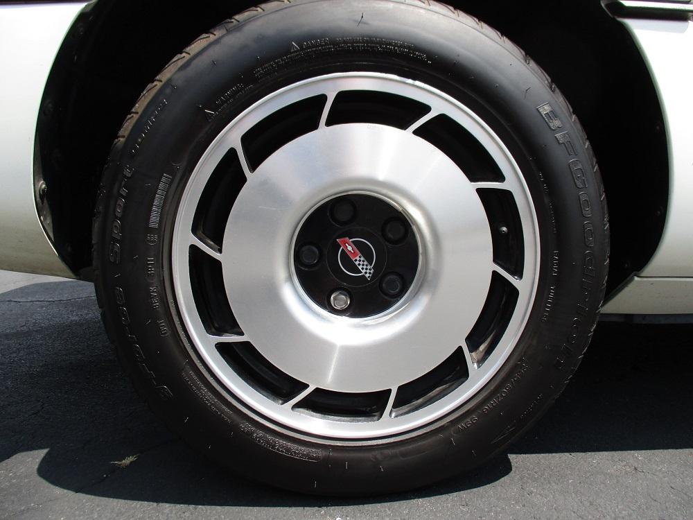 85 Corvette 051.JPG