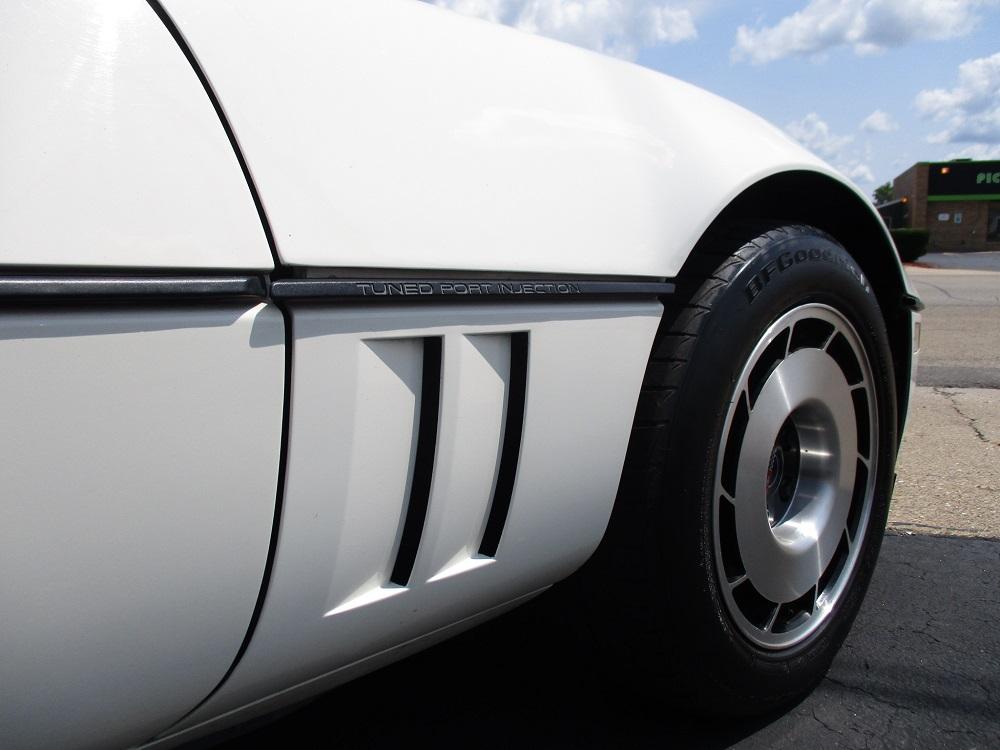 85 Corvette 052.JPG
