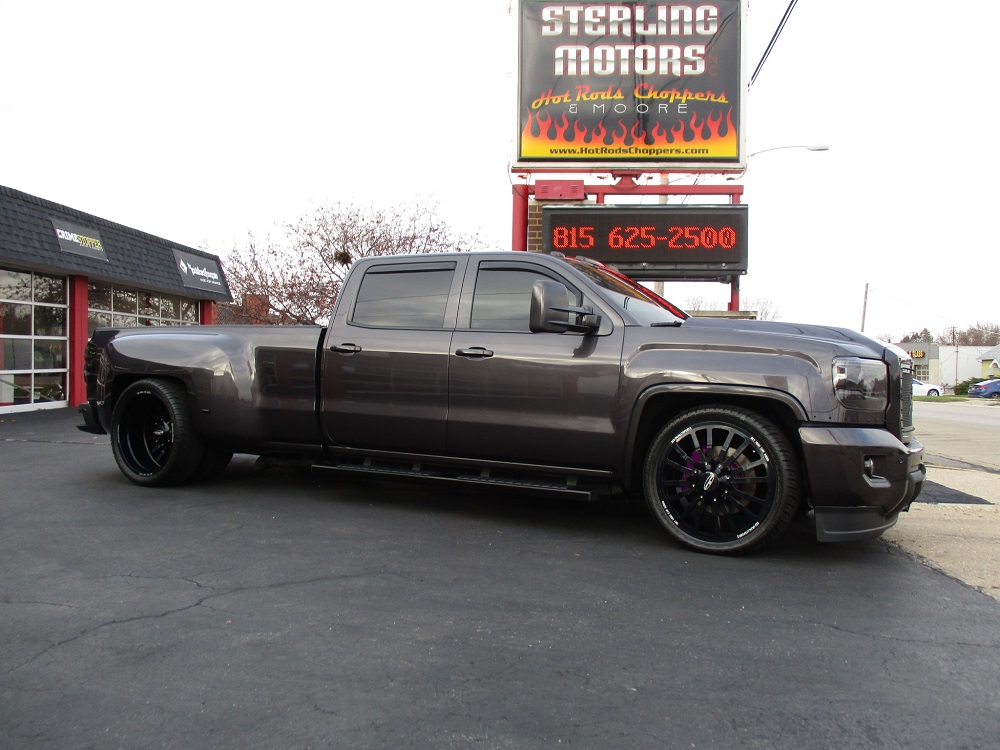 15 GMC Dually Custom 004.JPG