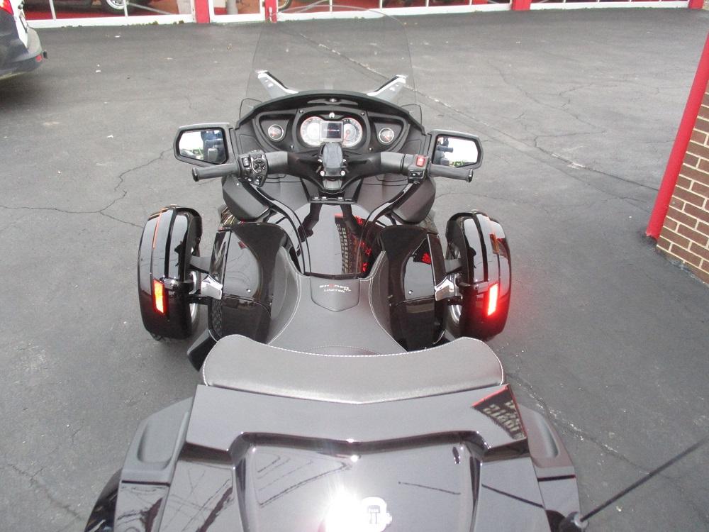 13 Can Am Spyder RT LTD 018.JPG