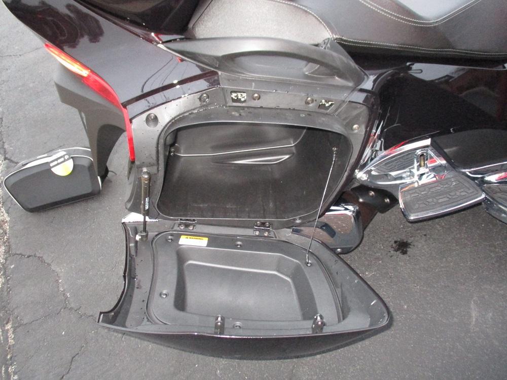 13 Can Am Spyder RT LTD 024.JPG