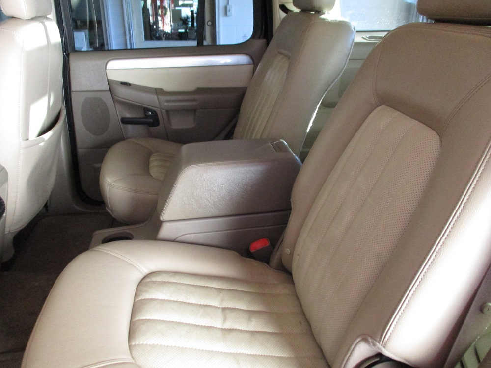 05 Mercury Mountaineer 026.JPG