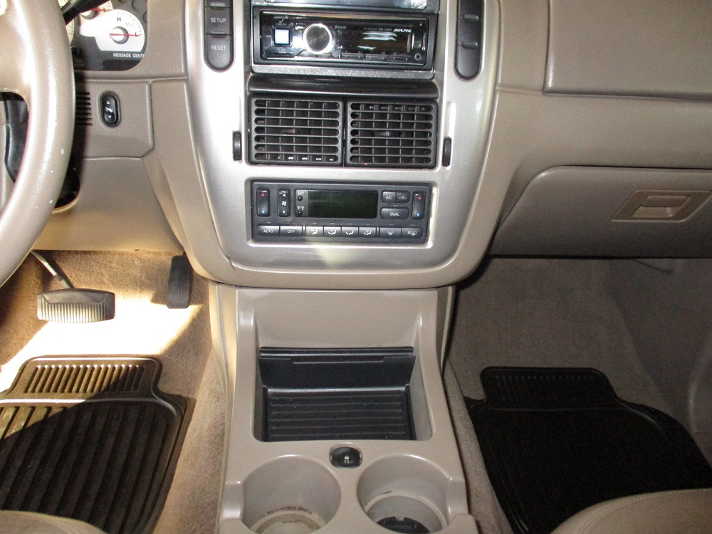 05 Mercury Mountaineer 025.JPG