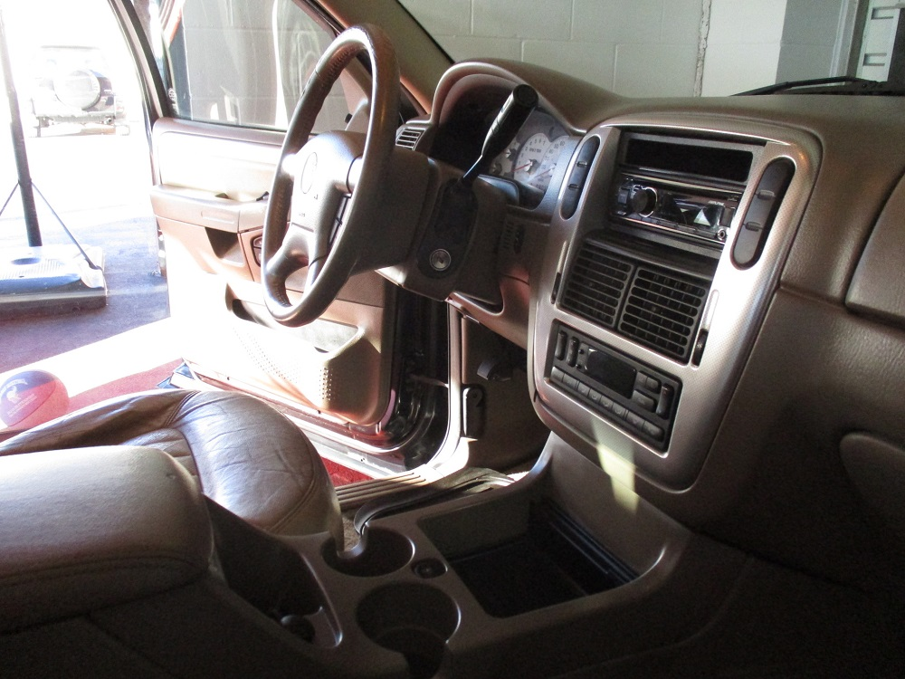 05 Mercury Mountaineer 033.JPG