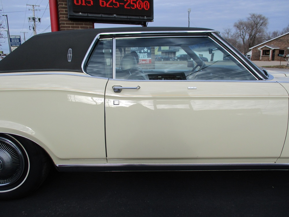 69 Lincoln Continental 054.JPG