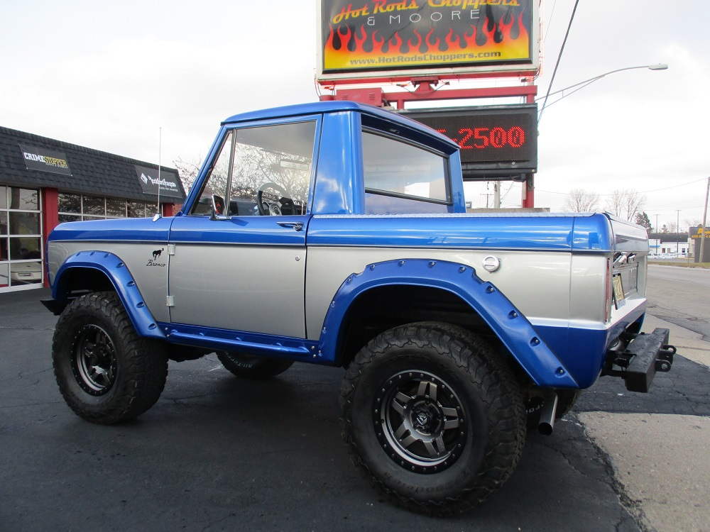 76 Bronco 013.JPG