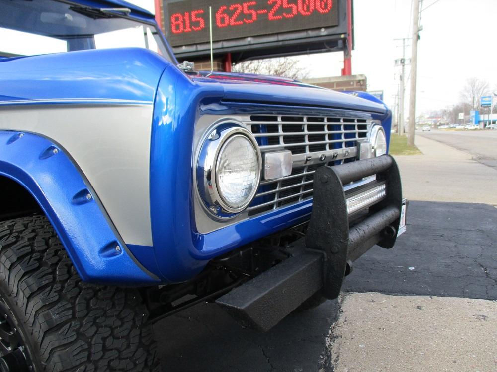 76 Bronco 044.JPG