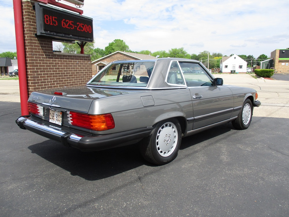 86 Mercedes 560SL 007.JPG