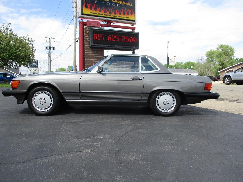 86 Mercedes 560SL 013.JPG