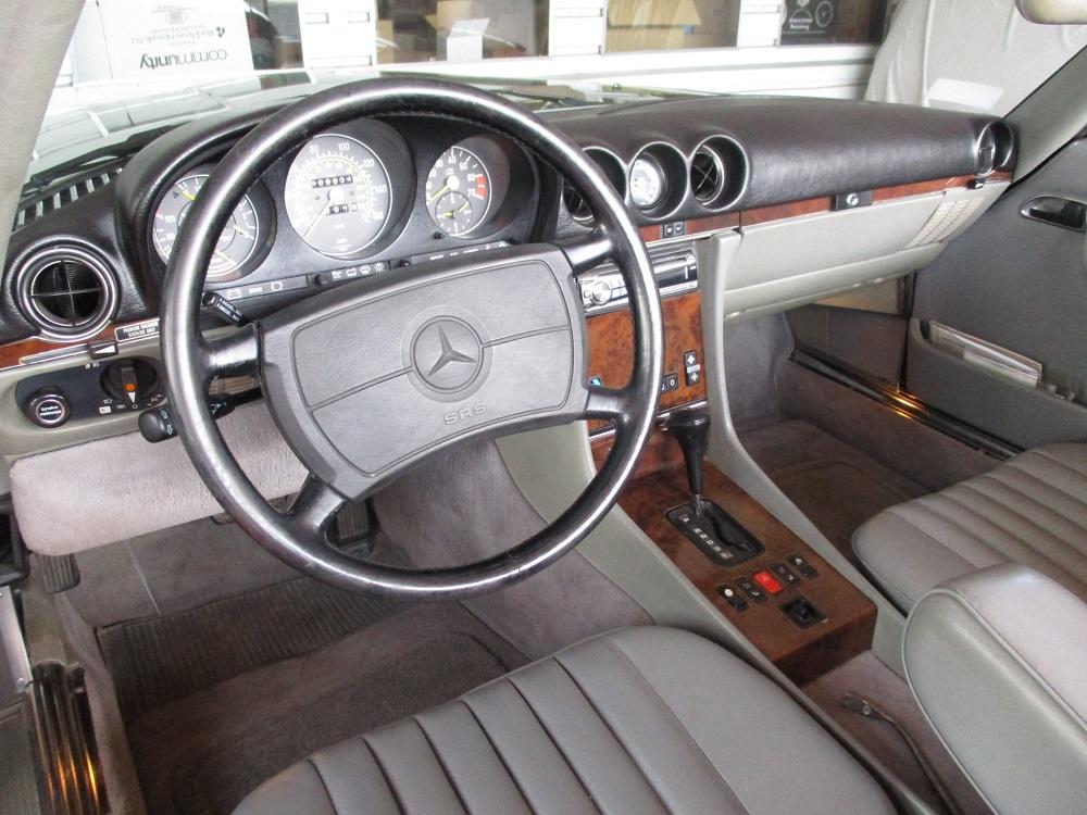 86 Mercedes 560SL 020.JPG