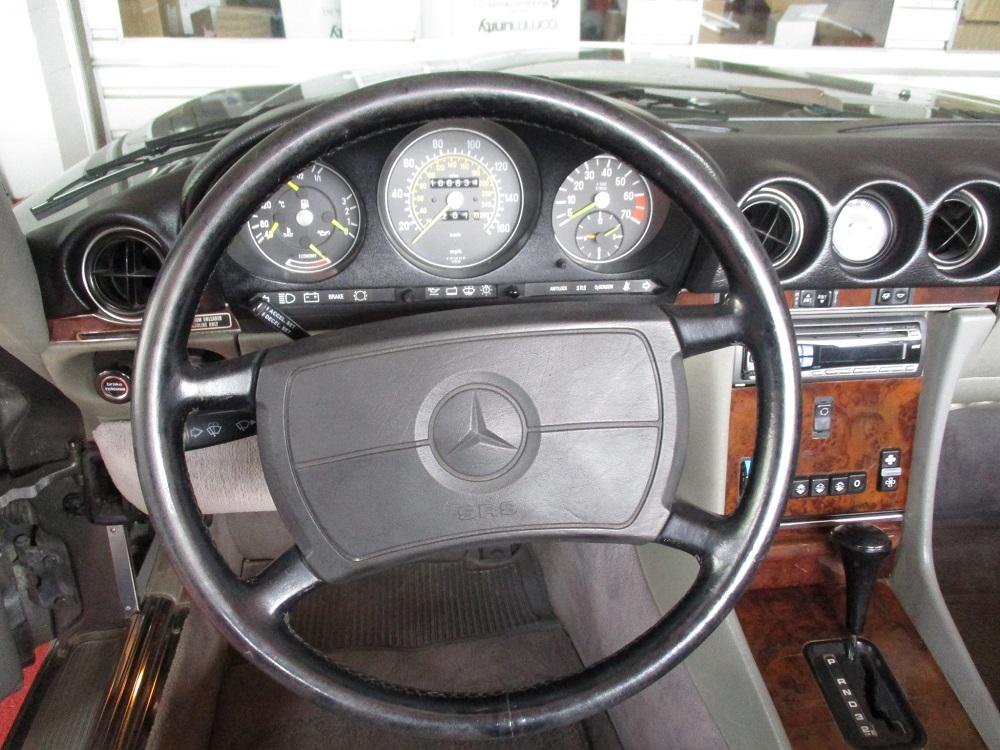 86 Mercedes 560SL 021.JPG